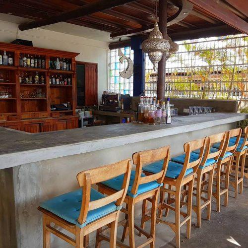 De bar van At Sea Restaurant
