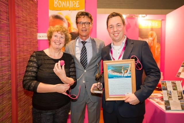 Bonaire reikt Gouden Flamingo en Roze Ei uit
