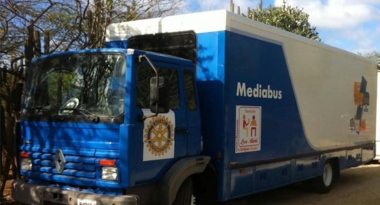 Project nieuwe mediabus van Stichting Lezen en Schrijven Bonaire