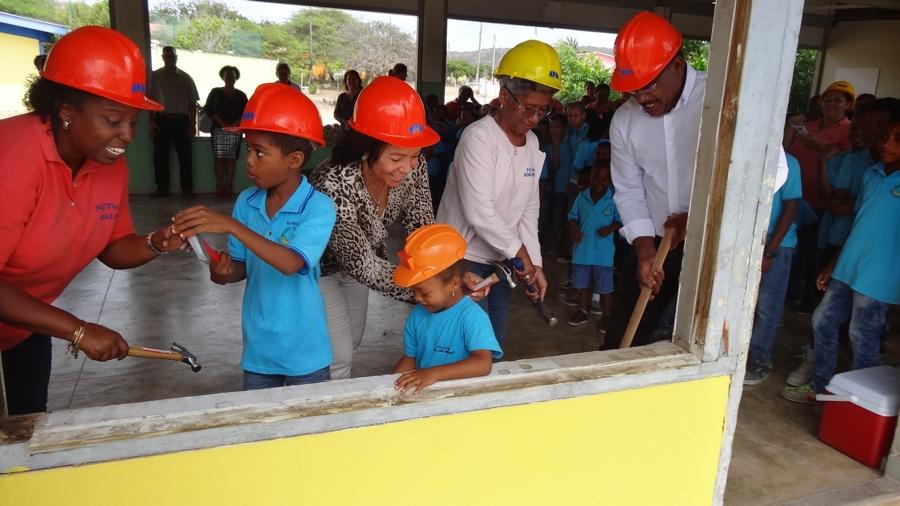 Aftrap renovatie gebouw San Luis Bertran School