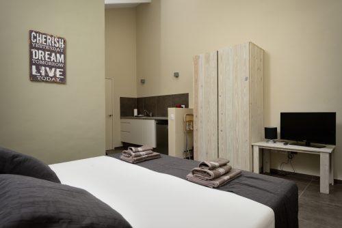 All Seasons hotel room
