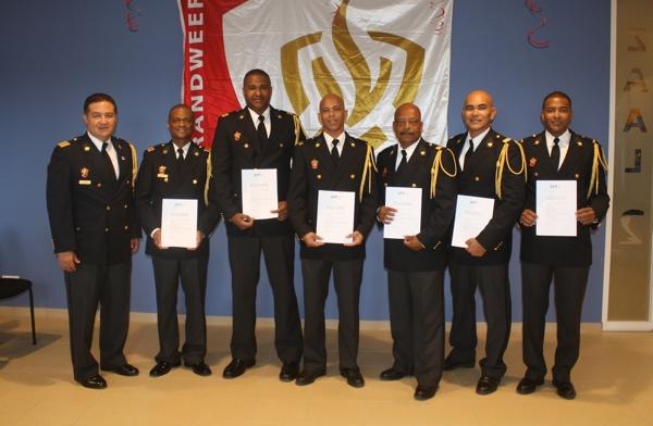 Diploma-uitreiking Vak-Officier van Dienst brandweer Caribisch Nederland