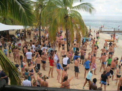 Jaarlijkse zwemtocht naar Klein Bonaire @ Spice Beach Club | Kralendijk | Bonaire | Caribisch Nederland