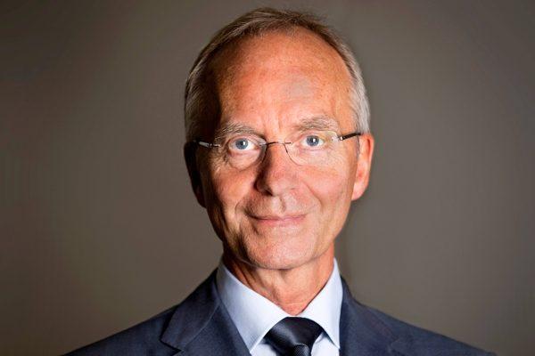 Minister Kamp (EZ): terugdringen prijs levensmiddelen nog niet zo eenvoudig