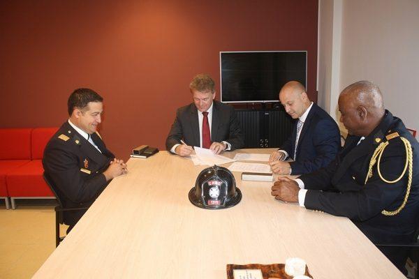Brandweerkorps CN en Stichting brandweeropleidingen tekenen samenwerkingsovereenkomst