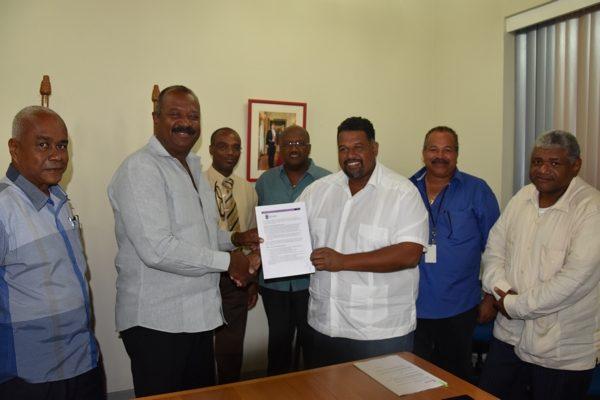 Het bestuur van Bonaire tekent arbeidsvoorwaarden met vakbond