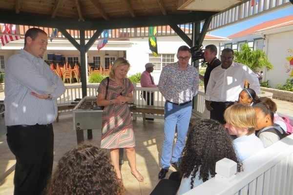 Minister Bussemaker bezoekt Saba