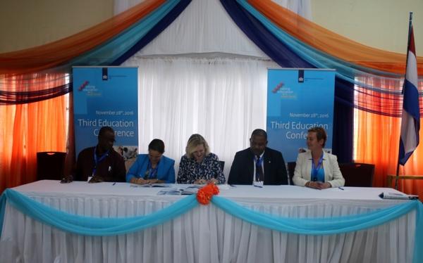 Tweede onderwijsagenda ondertekend op Sint Eustatius