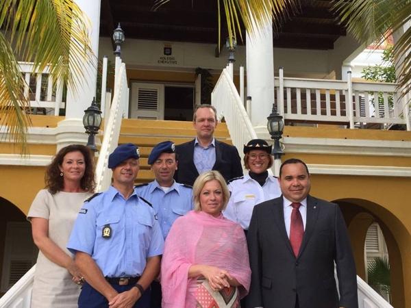bezoek-minister-van-defensie