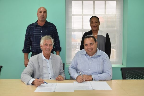 Ondertekening van het mandaat voor de overdracht van de certificering van Caribisch Nederlandse schepen