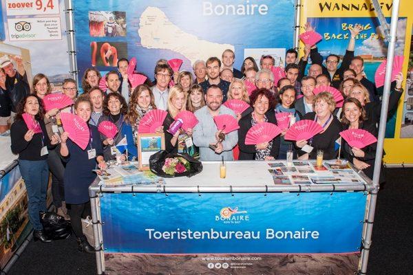 Bonaire Toeristenbureau reikt Gouden Flamingo uit op Vakantiebeurs