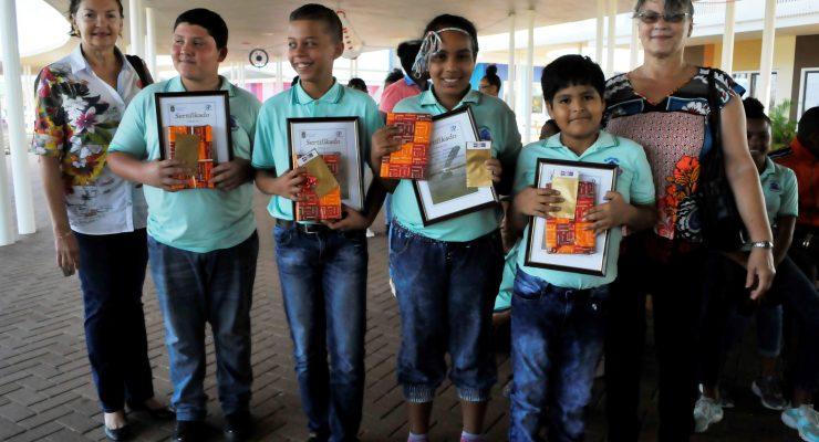 Brede School Papa Cornes wint dicteewedstrijd