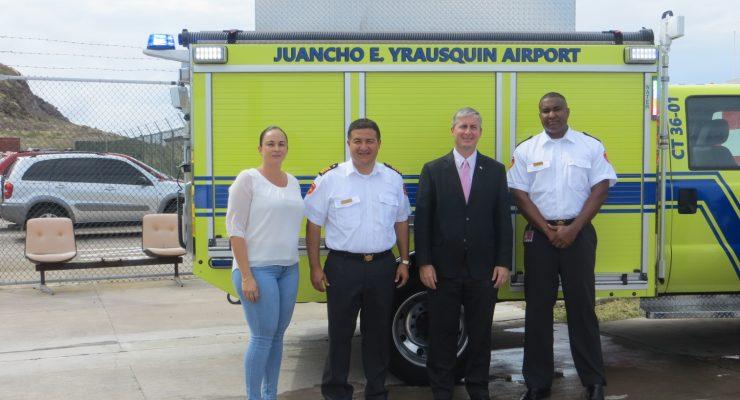 Brandweerkorps doopt nieuwe crash tender
