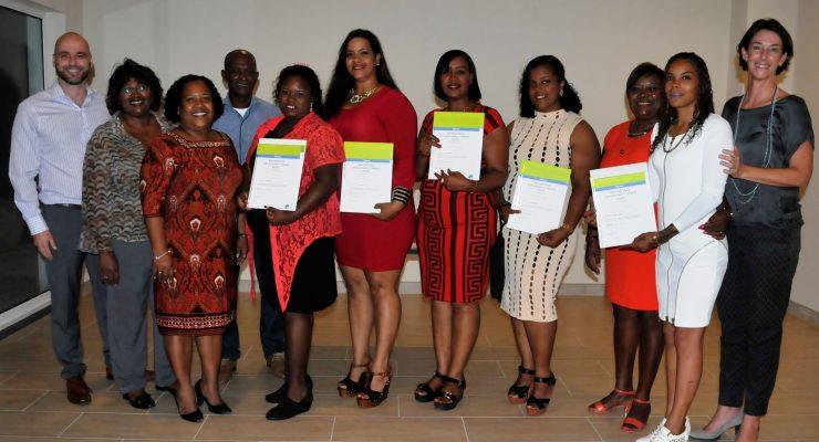 8 cursisten ontvangen diploma Professional Cleaning en Housekeeping