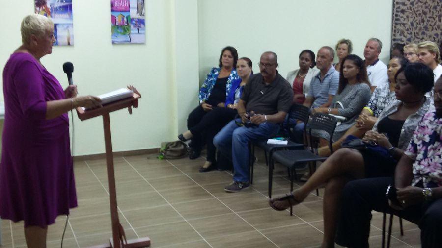 Eerste diploma uitreiking bij Opleidings Instituut Bonaire