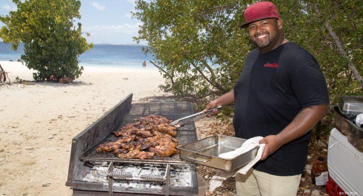 Succesvolle strand BBQ door het Bonaire Culinary Team