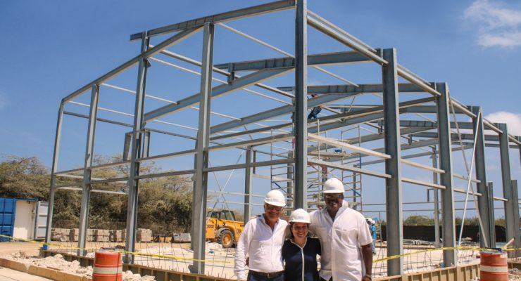 Hoogste punt herbouw gymzalen Scholengemeenschap Bonaire