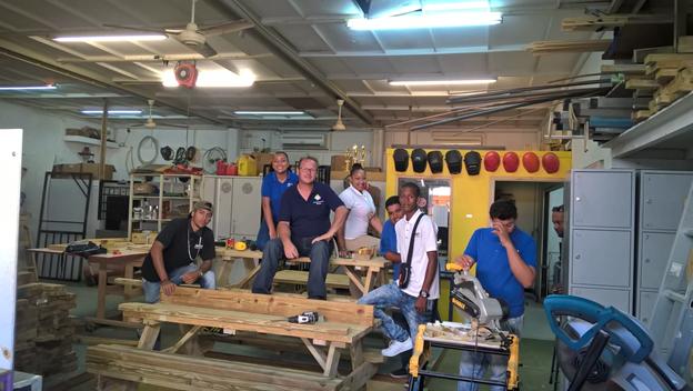 Groep studenten MBO met Skills Netherlands Caribbean op Training naar Colombia