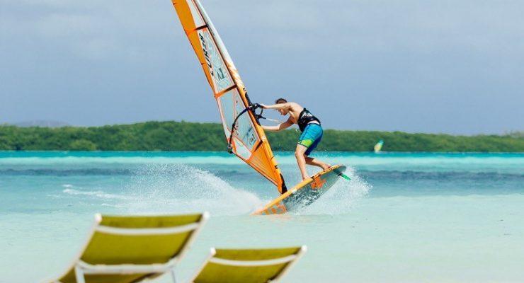 Bonaire flink in de picture met O'Neill