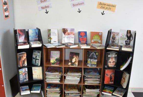 Nieuwe boeken in de boekenhoek Openbare Bibliotheek