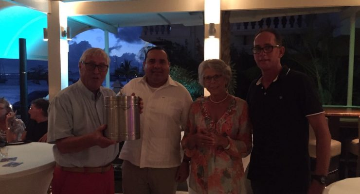 """Opbrengst """"eerste vaatje haring """" gaat naar Alzheimer Stichting Bonaire"""