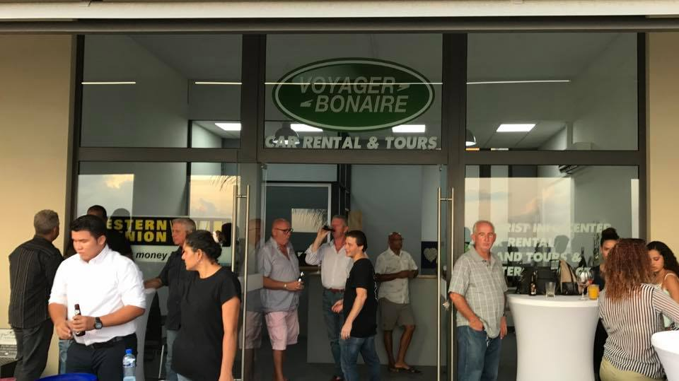 Tien jaar autoverhuur en tours op Bonaire