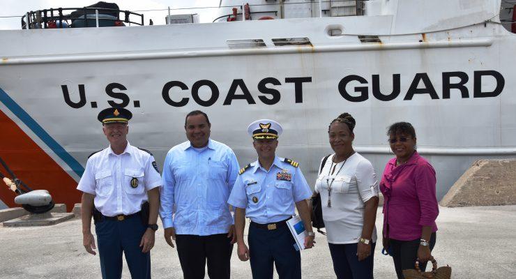 """Eerste bezoek Cutter """"Confidence"""" U.S. Coast guard op Bonaire"""