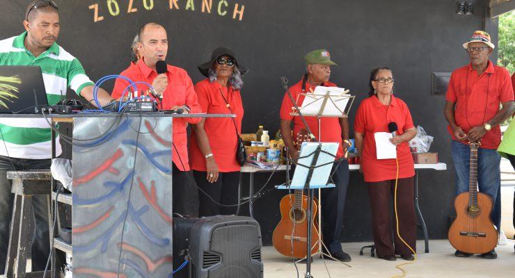 FKG de wijken in om verdere informatie te verstrekken aan de ouderen op Bonaire