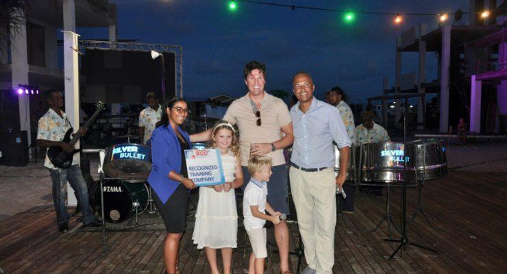 Pre-opening feest voor Resort Bonaire