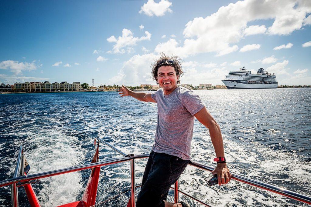 Bonaire heeft zijn eigen Social Media Influencer: Caesar Finies