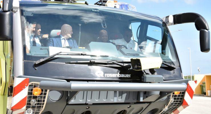 Brandweerkorps Bonaire krijgt nieuwe crashtender