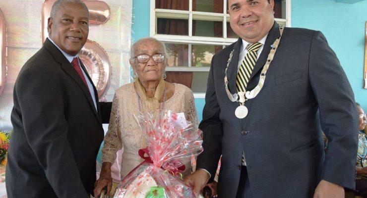 Hoera ! Oudste Bonairiaanse 105 jaar jong geworden