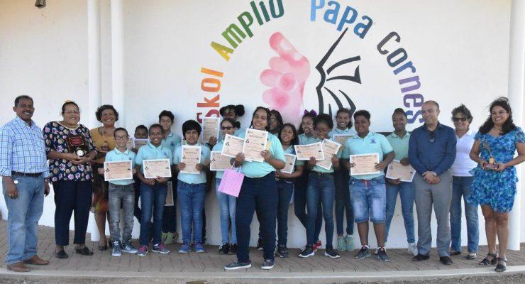 Brede School Papa Cornes wint opnieuw schooldictee