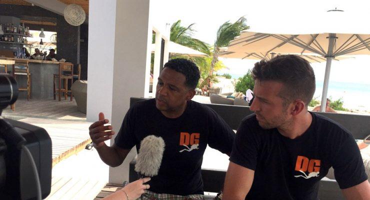 Duikersgids deelt elke duik op Bonaire wereldwijd