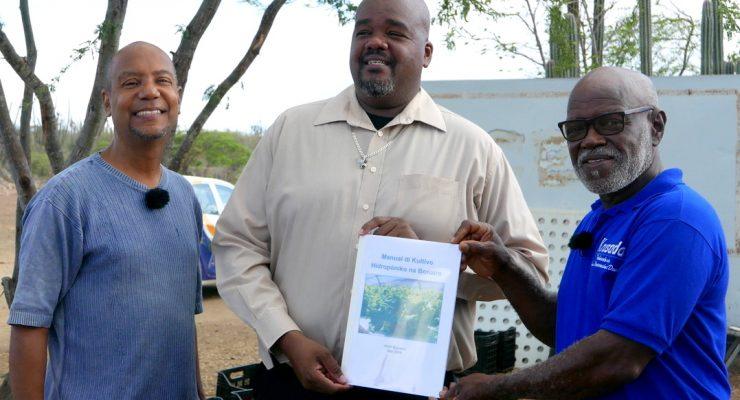 Handboek Hydroponics op Bonaire beschikbaar
