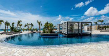 Delfins Resort zwembad