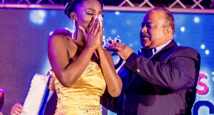 "Carolin Coffie wint ""Miss Tourism Bonaire 2018"""