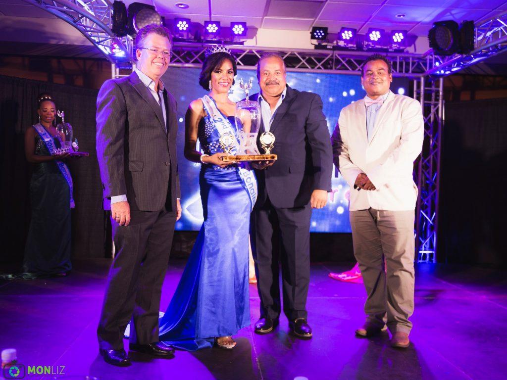 """Carolin Coffie wint """"Miss Tourism Bonaire 2018"""""""