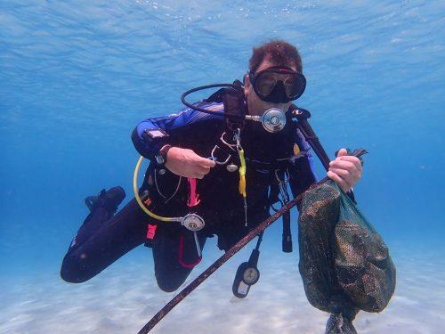 Clean Up Dive Dive Friends