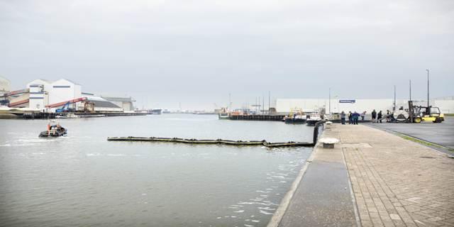 Extra oliebestrijdingsmateriaal Caribisch Nederland