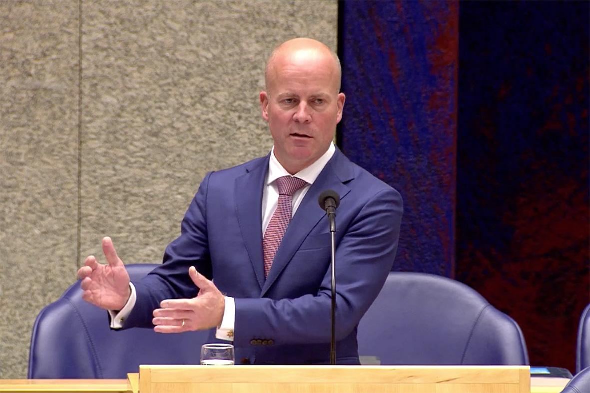 """,,Soms botst het"""", aldus staatssecretaris Knops over de koninkrijksrelaties I Foto Nico van der Ven"""