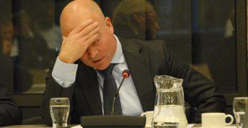 Knops stelt verdeling taken tussen Openbare Lichamen en ministeries ter discussie