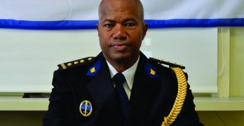 Commentaar: Hoofdcommissaris KPCN begeeft zich op glad ijs met kritiek op media