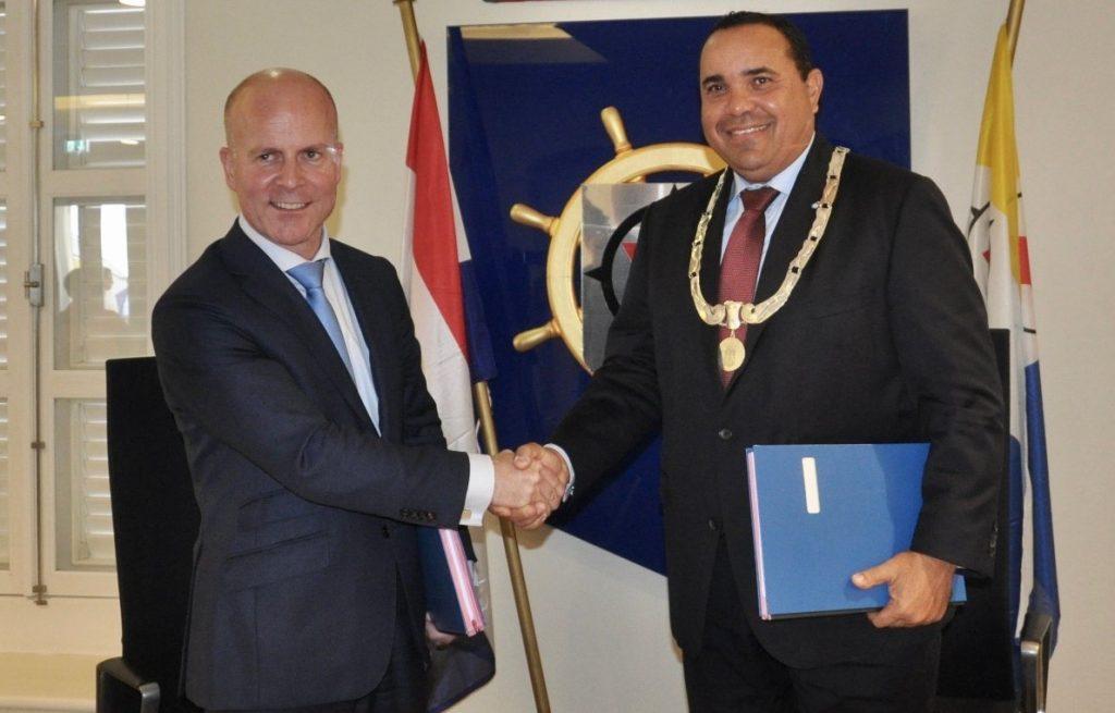 Staatssecretaris Raymond Knops komt Bonaire bezoeken