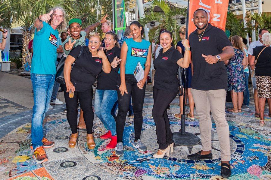 """De eerste """"Bonaire Business Borrel"""" van het jaar in het teken van windsurfen"""