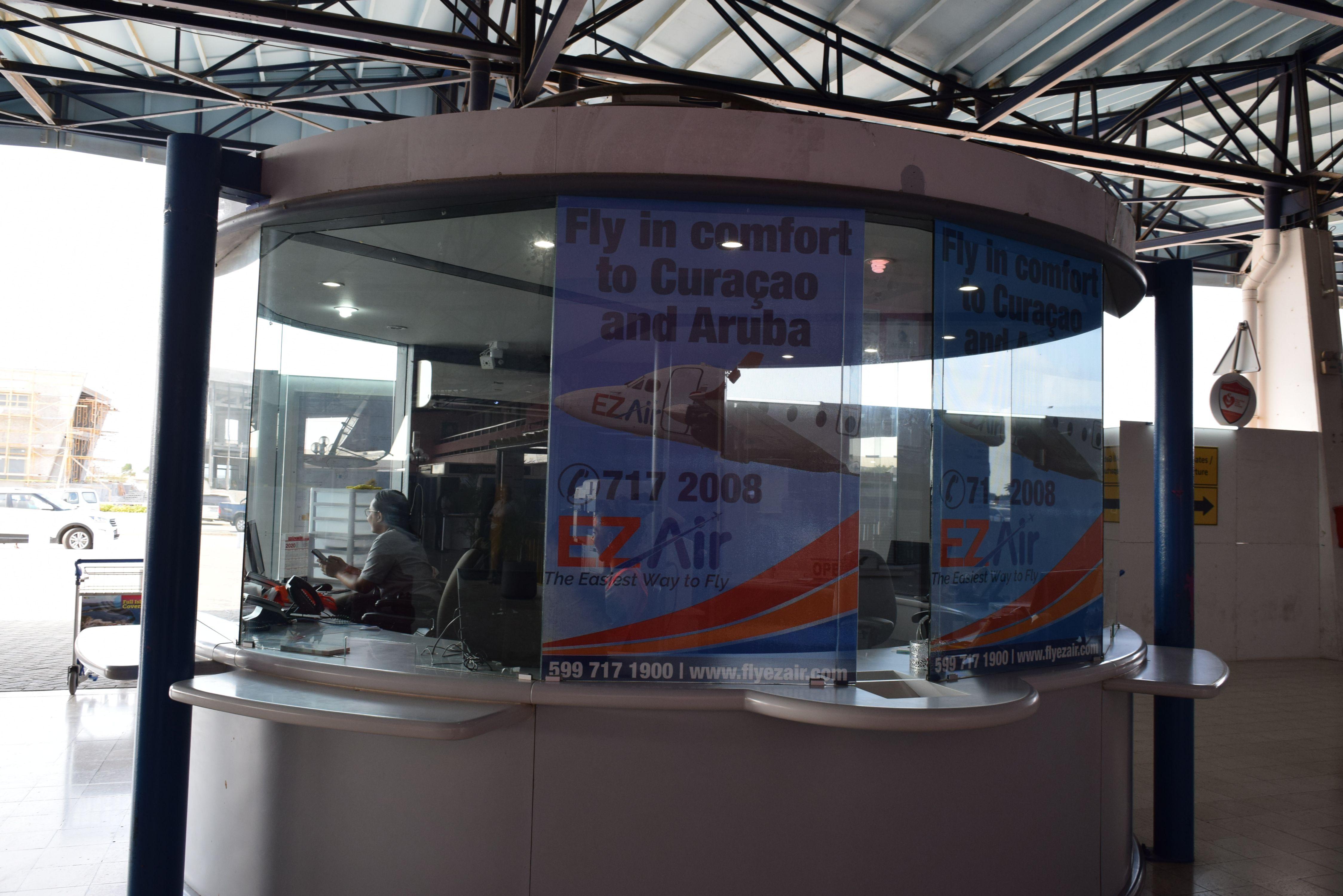 EZ Air start ticketverkoop Flamingo Airport