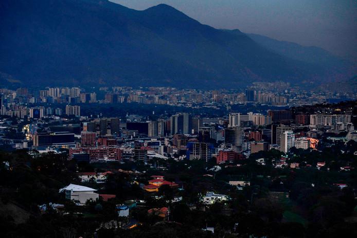 Maduro kondigt 30-daags energie rantsoen aan