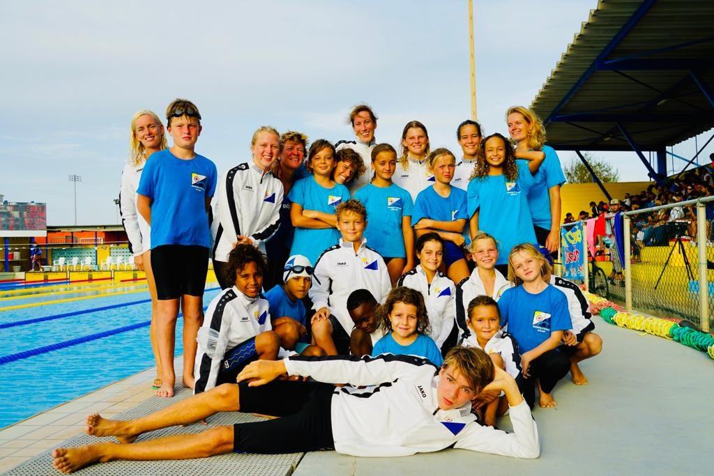 """Bonairiaanse Aquatics Club """"Barracudas"""" zwemmen persoonlijke records op Curaçao"""