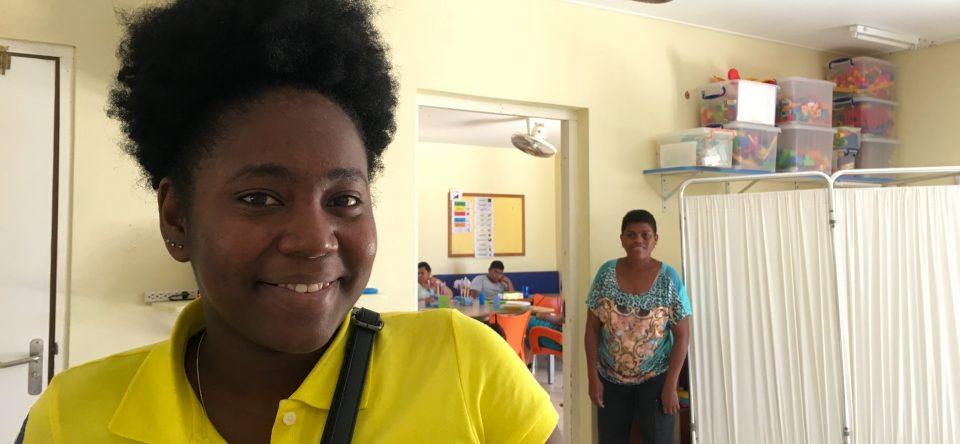 MBO studenten vertellen hun verhaal : Naomie volgt de opleiding Helpende Zorg en Welzijn