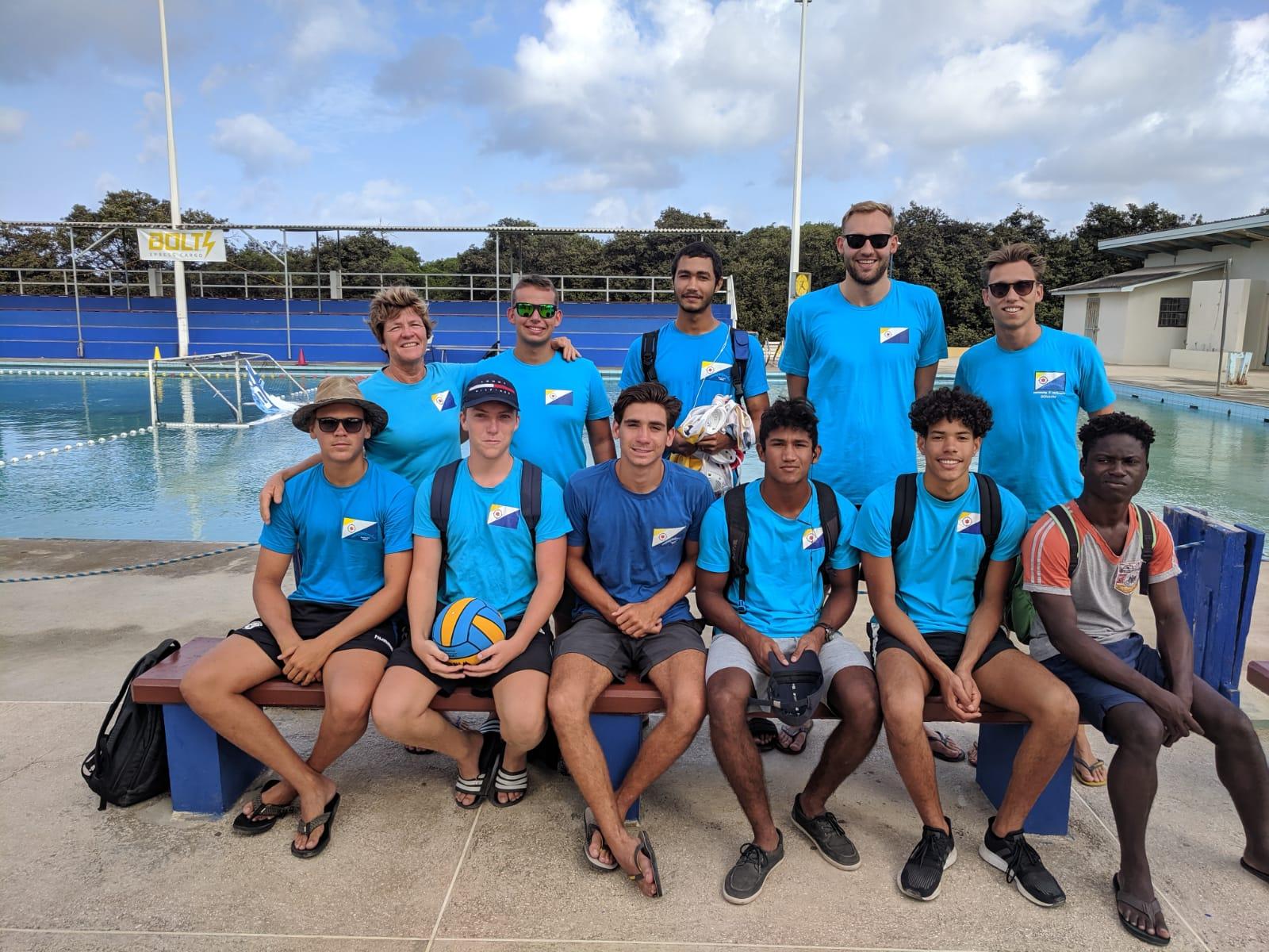 Waterpoloteam Barracudas wint twee keer op Curaçao